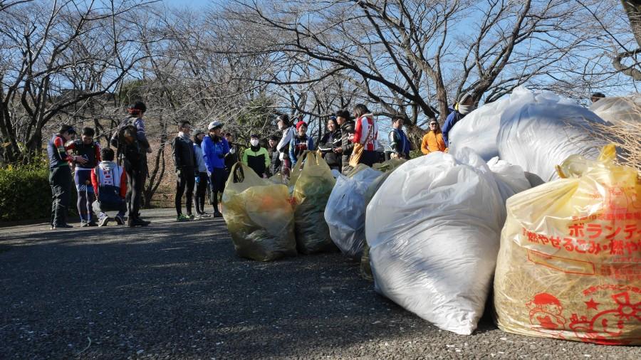 集めたゴミは、100袋を超えたそうです。