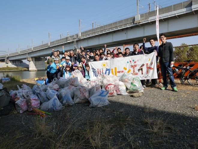 ゴミを拾い終え、参加者全員が清々しい表情に。