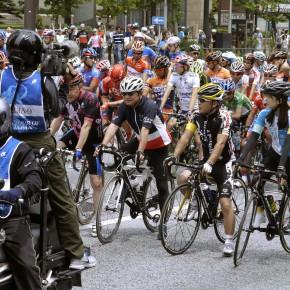 2015年5月24日(日)日本最大級のサイクルロードレース「ツアーオブジャパン」の最終ステージでのパレードスタートに「日向涼子」さんがグッチャリ代表として出走しました。